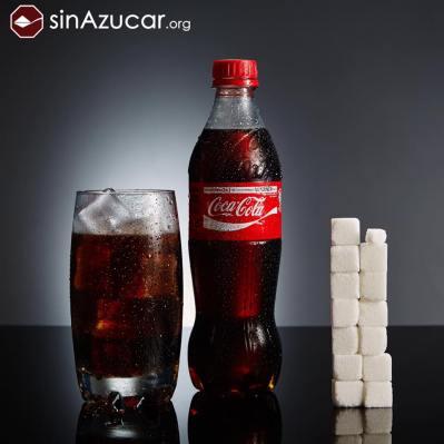 500ml de Coca-Cola contienen 53gr azúcar. ¡Más de 13 terrones!