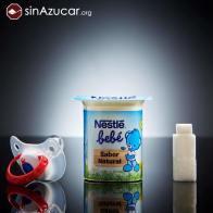 Un yogur Nestle para bebés tiene 9gr de azúcar. Más de dos terrones