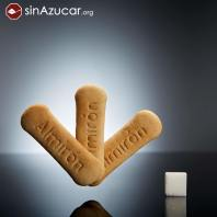3 galletas para bebé (15,6g) tienen 4g de azúcar (1 terrón). ¡El 24% de la galleta es azúcar!
